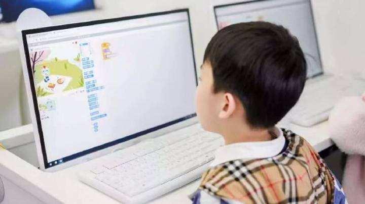 欧美思少儿编程市场商机大 造就业界标杆